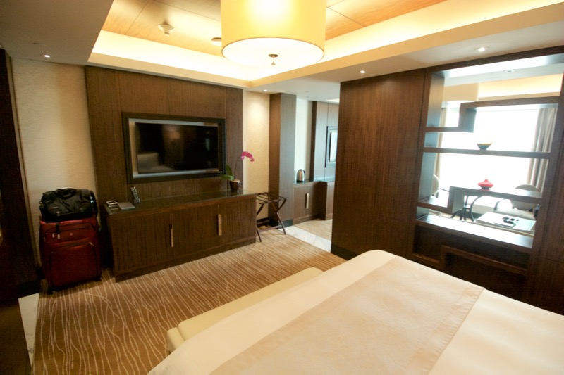 Sands Macao Deluxe Suite Review 2016 Bedroom Tv